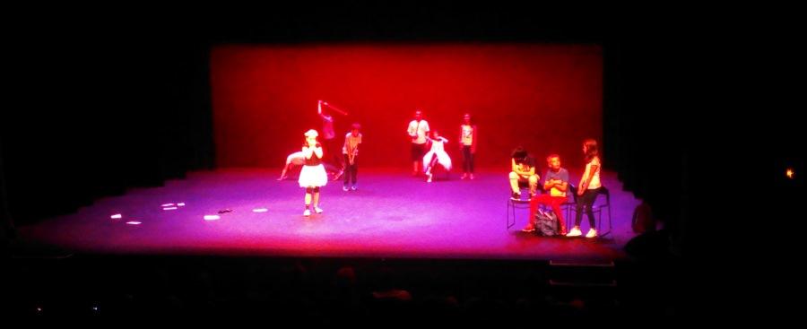http://lesateliersdalice.grangeauxarts.fr/wp-content/uploads/2016/08/slider-theatre_en_classe_02.jpg